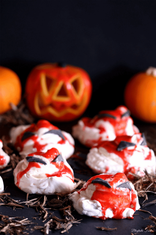 Mini Halloween pavlovas