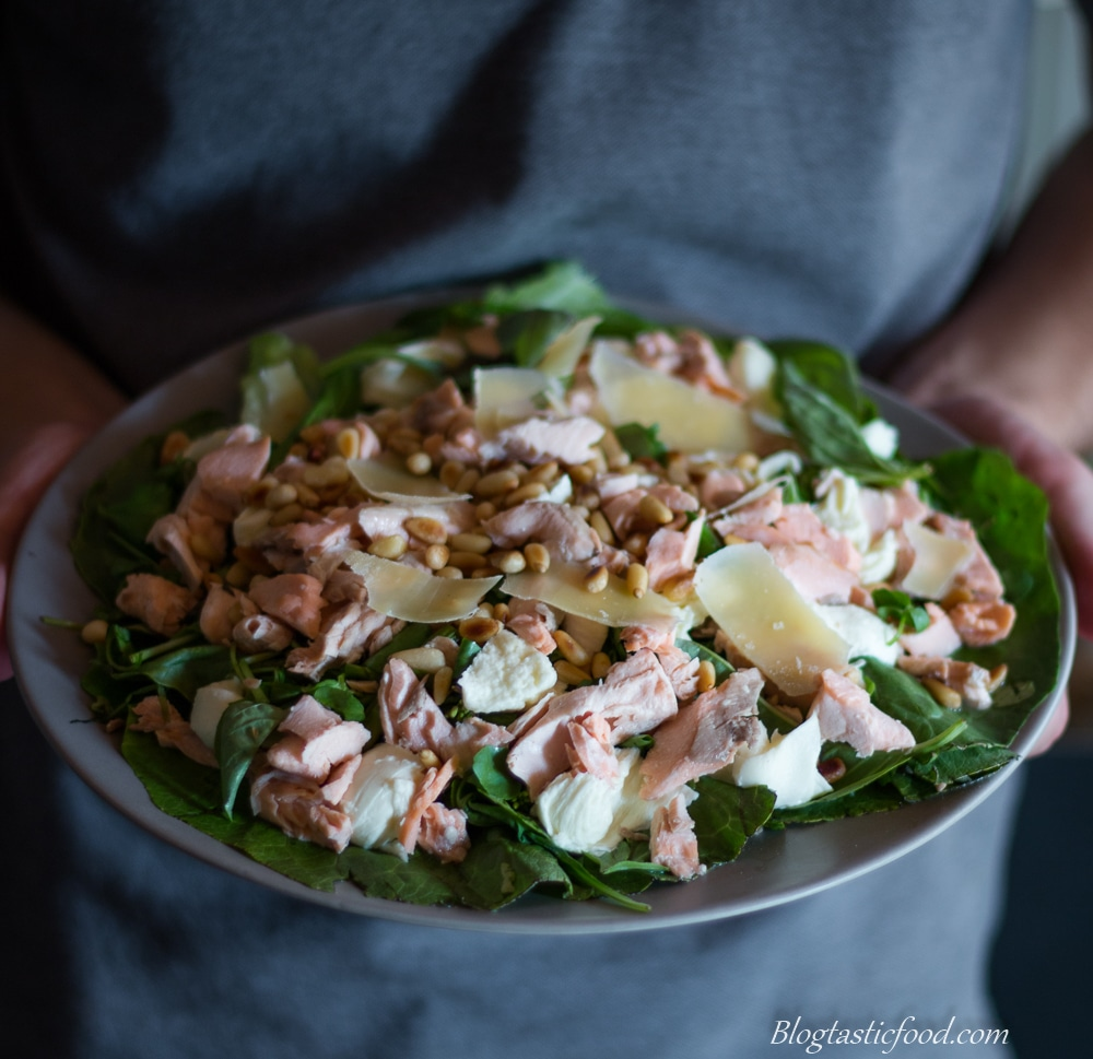 Flaked salmon salad-5