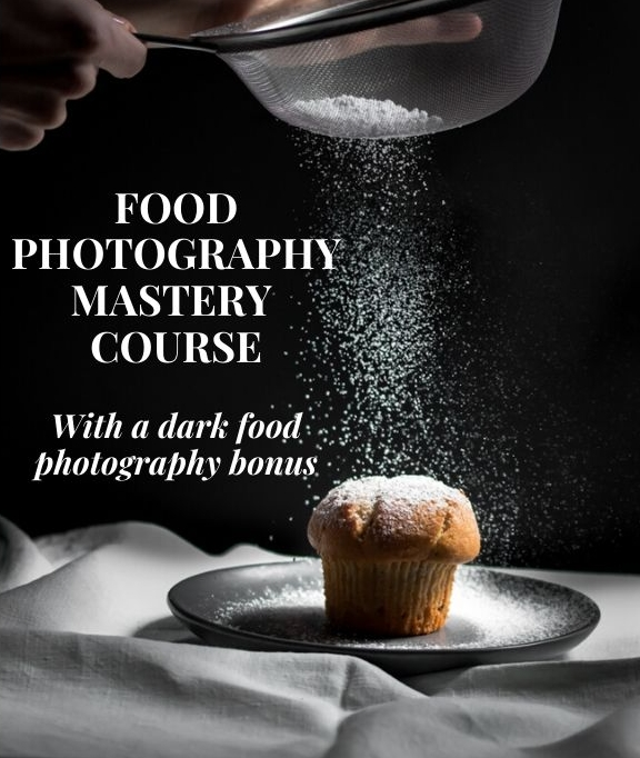 A trailer photo introducing a food photography course.